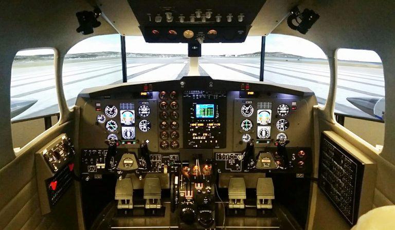 B200 Cockpit